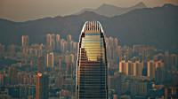 香港房价究竟有多高?哪怕你是千万富翁,也只买得起20平的房子