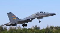 歼16亮相空空导弹黄金组合,我国还有更先进的空战武器正在研制