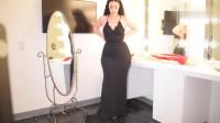 黑色V领吊带修身连衣裙,胖妞也能魅力十足,遮肉显身材