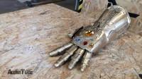 技术太强了!牛人铸造《复仇者联盟》无限手套