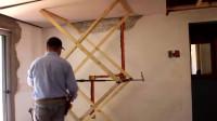 木工师傅用几根破木条自制升降机,举升效果不错,一起看看
