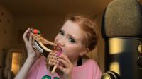 """小姐姐试吃""""GUCCI定制版高跟鞋"""",脆脆的美味,网友:味道咋样"""