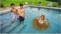 熊孩子恶搞,弟弟女友在泳池发生尴尬一幕!女友:有点想分手了!