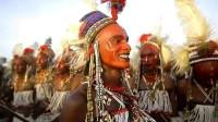 全球超爱美的民族,男人们精致的可怕,每天要化很浓的妆!