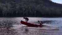 划船不用桨,主要全靠浪!