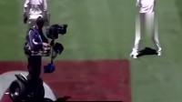 体育比赛中的摄影师你看什么呢,我都不由自主地笑了!