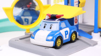 poli警官的洗车行来给poli洗的干干净净的吧