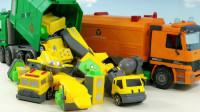 太友巴士垃圾车和赛车总动员清理玩具镇的垃圾