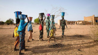 全球最缺水的国家,一生只洗一次澡,脏水直接当饮用水