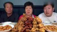《韩国农村美食》一家三口的晚饭,成堆炸鸡,竟然全部吃完你敢信