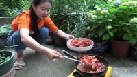 小龙虾全线大跌价,现在只要20元一斤,果断买4斤回家做个蒜蓉虾