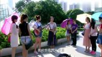失明姑娘被街头女孩歌声吸引,决定跟女孩合作,嗓子被天使吻过吧!