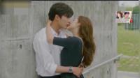 《她的私生活》大结局,馆长惊喜现身,从背后抱着德美,两人热吻幸福美满的结局啦!