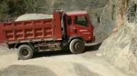 这才是真实的大山路,是不是还有个十八弯,卡车司机开车技术ok啊!