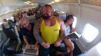 谁说胖子不灵活?体重320斤的世界大力士,居然还是游泳冠军!