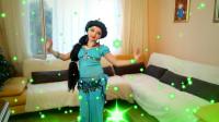 国外时尚美妆:小姐姐美妆打扮的迪士尼公主妆容,是不是很漂亮呀