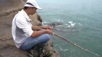 赶海到荒岛,岛上的海货随便捡个木棍,都能钓得半桶鱼