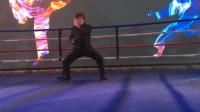 功夫巨星梁小龙助阵国际拳王争霸赛,不愧是练家子的,果然厉害!