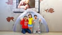 超刺激!萌宝小萝莉和哥哥为何躲起来了?他们怎么去到恐龙世界?儿童亲子游戏玩具故事