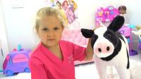 萌娃小可爱在外面救下了一只受伤的小奶牛,真是个乐于助人的好孩子呀!