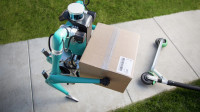 机器人送货到你家!未来取代快递员就是这个?
