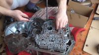 小雄组装自动变速箱,看摩擦片是怎么安装的?