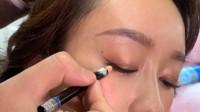 教你如何用眉笔画眼线,不料竟如此唯美,真漂亮
