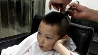发型师把店名雕刻在6岁小男孩的发型上,这广告我真是服气了