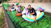 国外小哥挑战在公共排水沟里玩漂流!网友:你确定这水里不脏吗?
