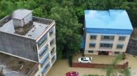 广西钦州 暴雨突袭淹民房 16人被困