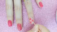美甲:粉色的单色装饰指甲