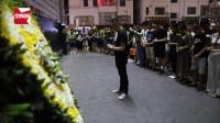 宝贝一路走好!深圳被砸伤男童离世,小区居民自发前往哀悼献花