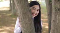 日本清纯美女,林中奔跑嬉戏,网友:是一个人吗?