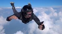实测丨从10000英尺的高空自由落体,手机还能使用人脸解锁吗?