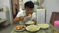 大sao做四斤饺子,一斤红油卤肉配着吃,大蒜卤肉配饺子,真过瘾