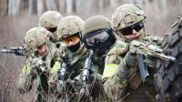 俄罗斯海陆空三军展示军事力量宣传短片,气势威武震撼