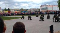 俄罗斯特种部队举行军事表演,近身徒手格斗场面逼真