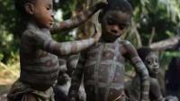 """非洲这一奇特部落,8岁就能结婚生子,20岁就成""""老人家"""""""