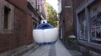 """大学生发明""""球形无人机""""看不到一个螺旋桨,这可怎么飞呢?"""