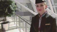 很少有飞行员会娶空姐?虽然是同事但还是离多聚少