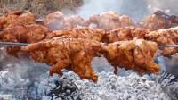 看看印度大爷怎么做烤鸡,这做法以前没见过,一次性能烤十只鸡!