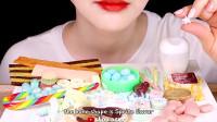 ASMR吃播:小姐姐吃各种糖果,发出咀嚼音,吃的真过瘾
