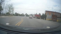 视频车主:说出来你不信,过个路桩,被一台金杯面包车嘲讽了