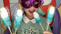 """小姐姐吃趣味零食""""羽毛棒棒糖"""",色彩鲜艳造型逼真,漂亮又美味"""