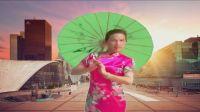 新飞舞广场《小城故事》旗袍伞舞