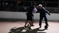 世界级大师扮作老人,到球场恶搞年轻人,网友:皮一下很开心?