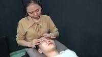 美女在越南理发店享受舒适的按摩服务