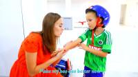 萌娃小可爱玩滑板的时候要注意安全哟!—萌娃:妈妈,我的手受伤了,快帮帮我吧!