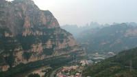 北京房山十渡风景区拒马河边航拍,太行山脉的陡峭是独有的风景