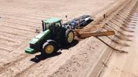 看看美国农田怎么浇灌的!一个小时就是1000亩,已申请发明专利